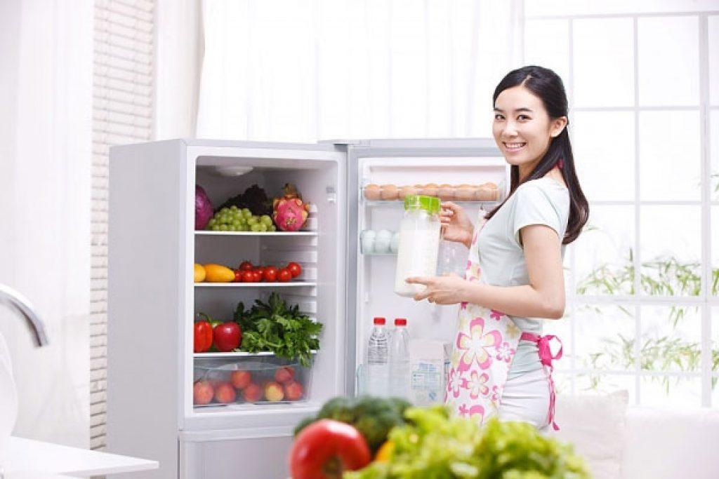 Thường xuyên quan tâm bảo trì tủ là phương pháp tiết kiệm điện hiệu quả