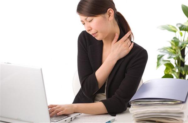 Ảnh hưởng không tốt tới sức khỏe do ngồi điều hòa quá lâu